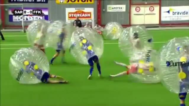 Bubble Football - новое спортивное хобби.