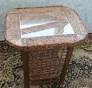 кофейный столик от Елены Губановой из газетных трубочек.