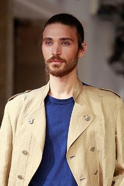 Брутальный мужчина. Усы или борода?
