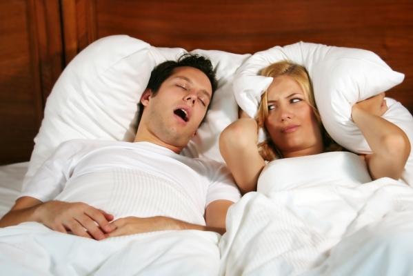 Раздельный сон супругов: за и против?