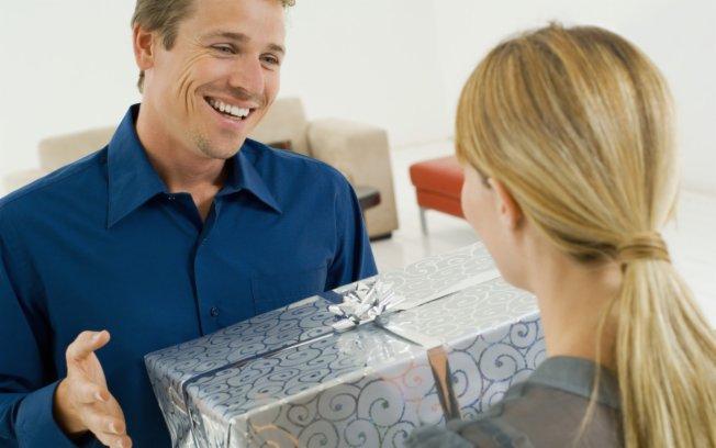 Как заставить мужчину делать подарки