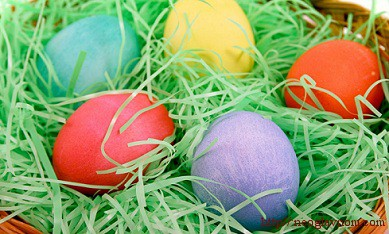 Как украшают пасхальные яйца