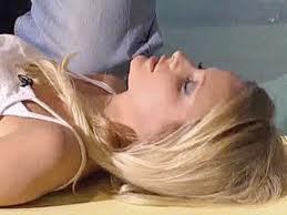Симптомы и первая помощь при обмороке