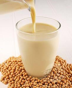 В чем польза соевого молока?