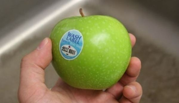 Наклейки на овощах и фруктах